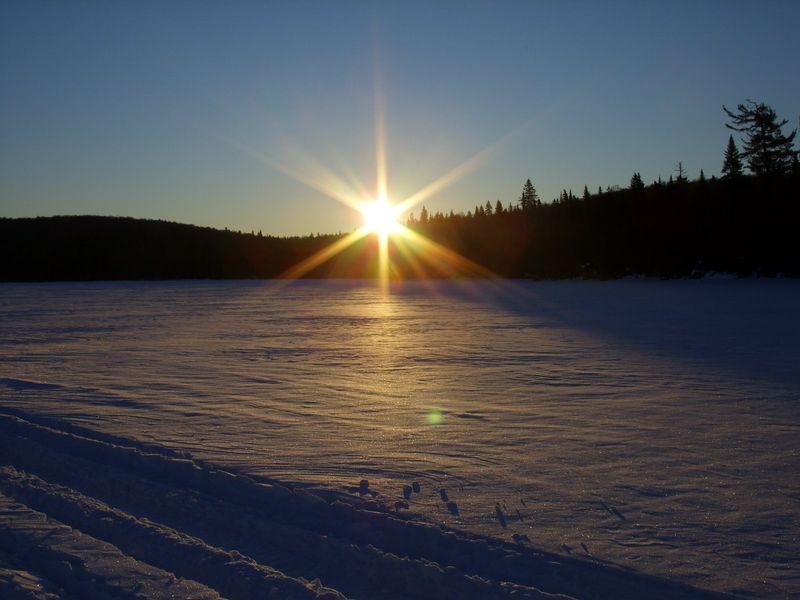Lever+de+soleil+sur+le+lac+Dumbell+(quebec)